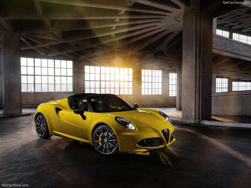 Alfa_Romeo-4C_Spider_2015_800x600_wallpaper_03